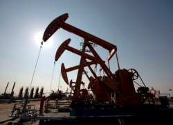 UPDATE 9-Oil hits 2019 high as supply squeeze looms; Brent nears $70/bbl By Reuters