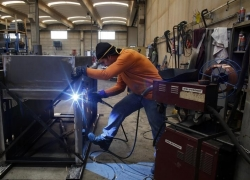 Colombian industrial production 0.4% vs. 2.0% forecast