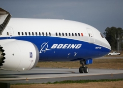 WRAPUP 14-U.S. will not ground Boeing 737 MAX planes after Ethiopia crash By Reuters