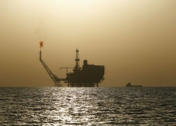 UPDATE 7-Oil rises 2%, reverses loses as OPEC+ addresses market weakness By Reuters